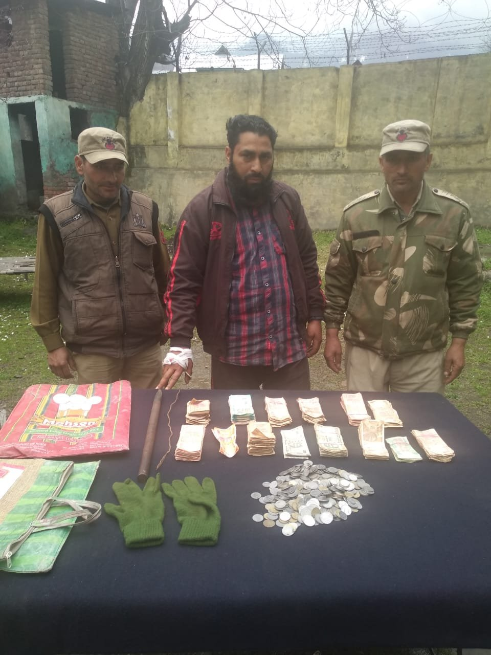 DISTRICT POLICE POONCH SOLVED THEFT CASE OF BATTALKOTE SHRINE;STOLEN PROPERTY RECOVERED,PERSON ARRESTED*