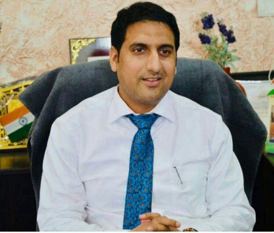 *District Administration Rajouri conducts surprise inspection of 99 Government offices*   _58 Employees placed under suspension _