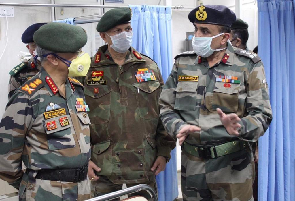 ARMY CHIEF REVIEWS SECURITY IN THE KASHMIR VALLEY