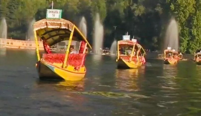 Indian Army Organises Annual 'Shikara Race' To Promote Tourism In Srinagar