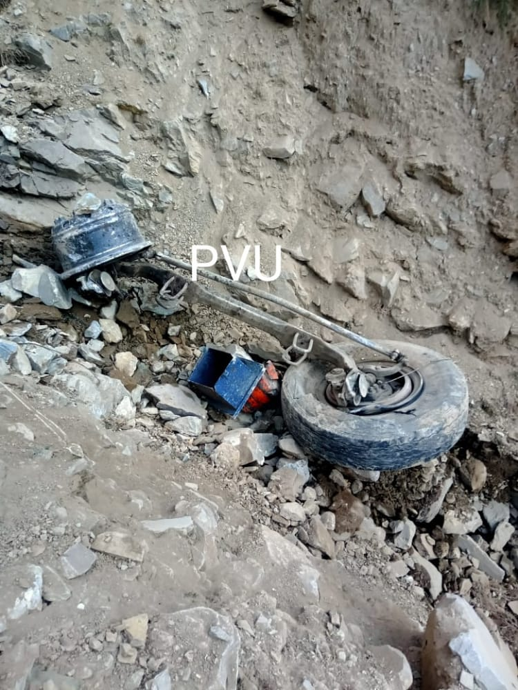 Driver, conductor of tanker killed in road mishap Mughal Road