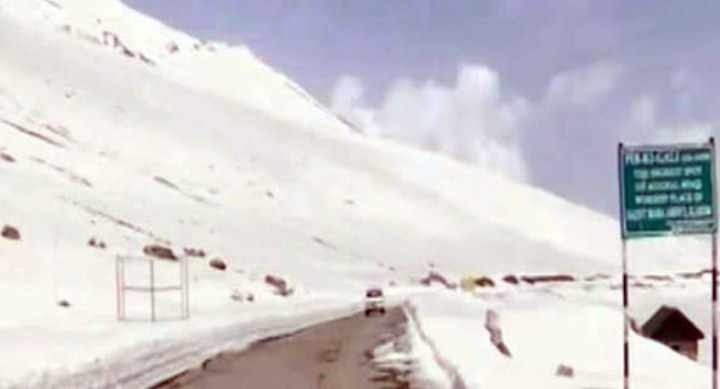 Traffic disrupted on Kashmir highway for several hours, Mughal road still shut