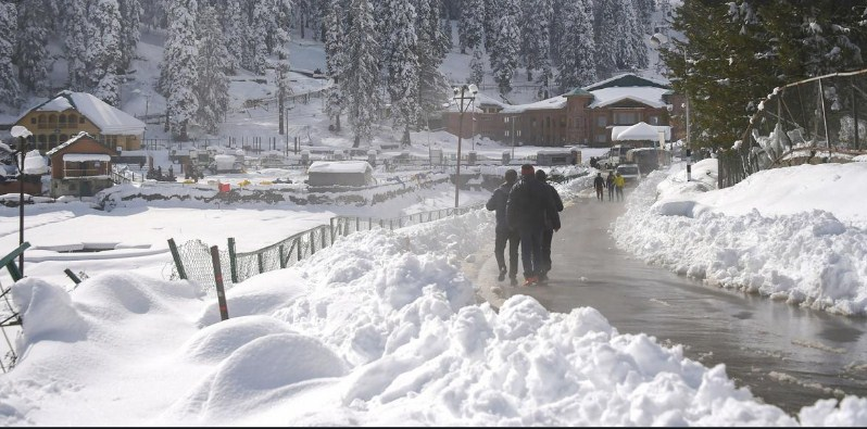 Fresh snowfall on J&K mountains