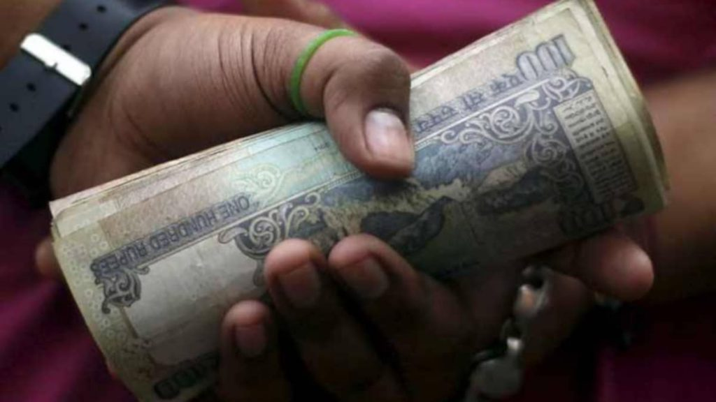 J&K police constable arrested for taking bribe